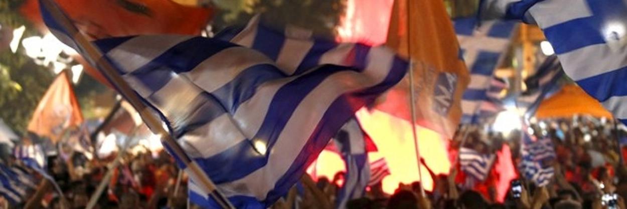 Comemoração do gregos nas ruas após o resultado do plebiscito em julho de 2015.