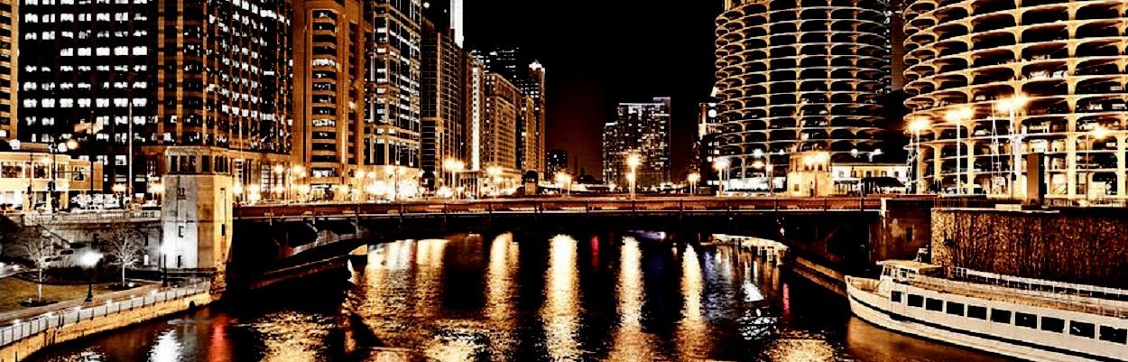 Chicago-Skyline at State St. Bridge