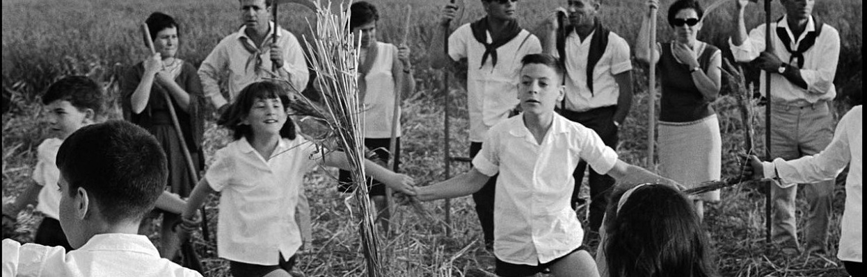 Kibbutz members celebrate the Jewish festival of Passover in the Beit Shean Valley in 1967.