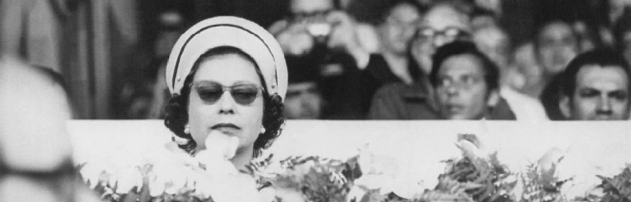 Rainha Elizabeth II - Anos 60.