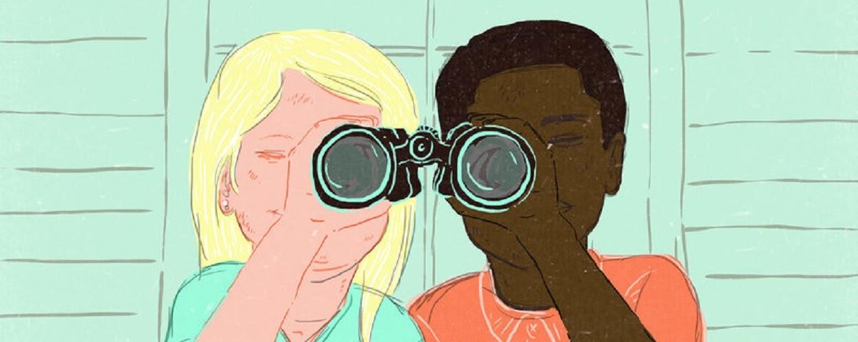 Crianças vendo o mundo com o mesmo binóculo.